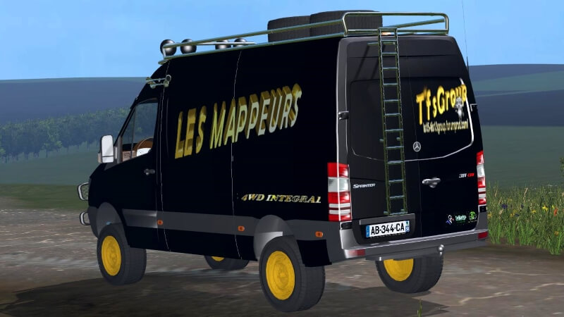 MERCEDES BENZ SPRINTER CAR 2
